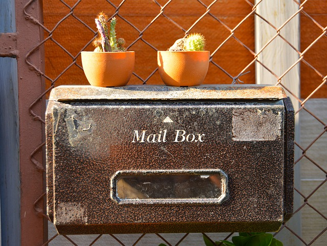 familie-van-dokkumburg-mail-box-versturen
