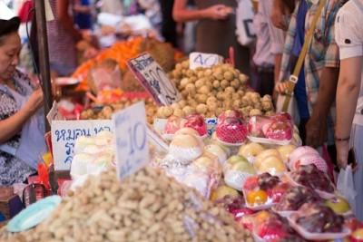 familie-van-dokkumburg-twee-maanden-in-thailand-markt-chinatown-chiang-mai-thailand3