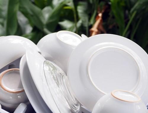 Hoe verwijder je lelijke grijze krasjes uit je borden of servies?