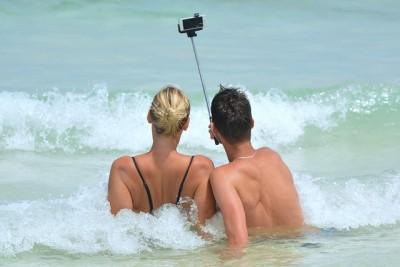 vakantie selfie ontspannen stel strand zee